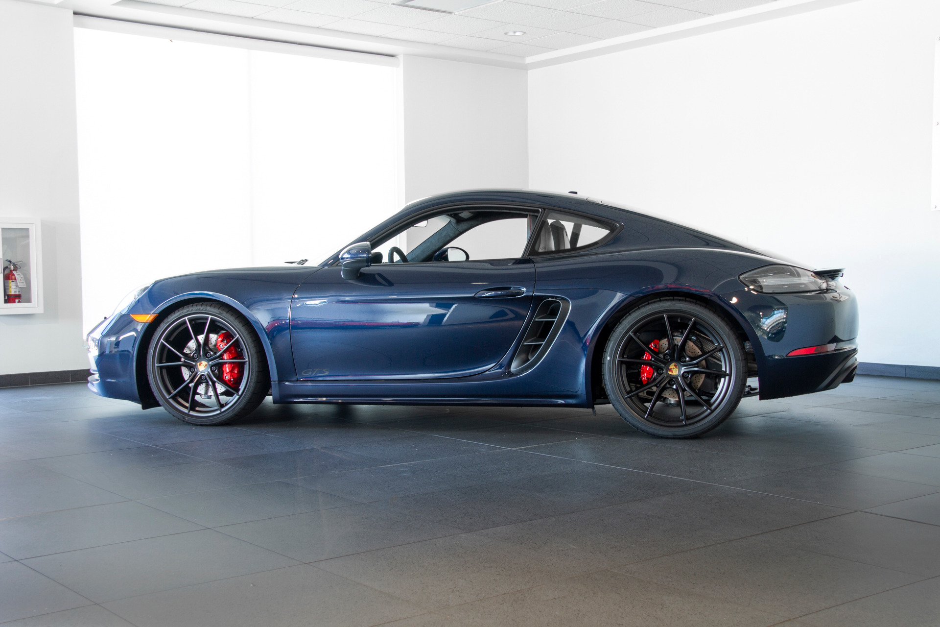 Night Blue Metallic Porsche Colors